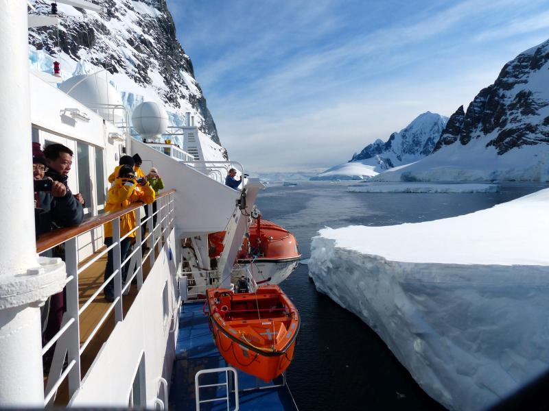 Navegando entre hielos