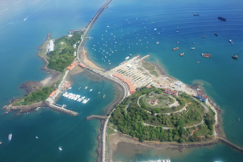 Islas Naos y Perico