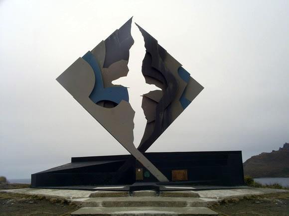Cabo de Hornos - Monumento Albatros