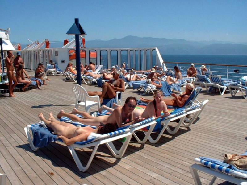 Nude Cruises Movies 91