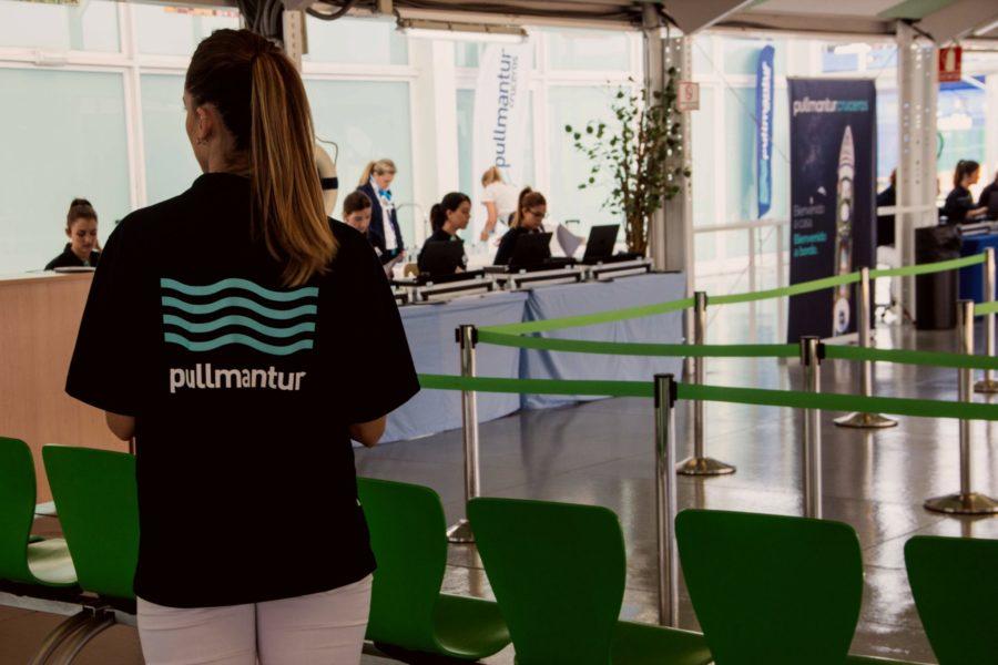 El staff de Pullmantur es apreciado por cuidar cada detalle para brindar unas excelentes vacaciones a bordo.