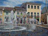 Fuente y plaza en Salvador de Bahía