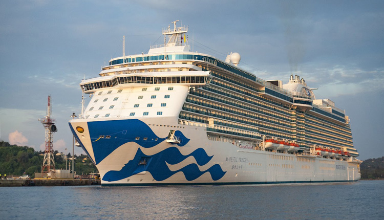 Resultado de imagen para crucero princess entrando puerto mexicano